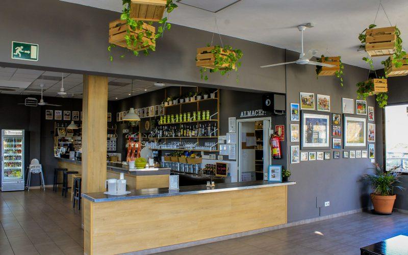 Bar-Terraza del club